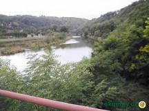 Pikovice - pohled z mostu na tábořiště