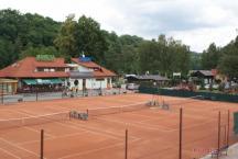Tenis kurty