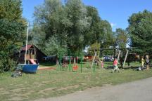 Kemp Nechranice - dětské hřiště