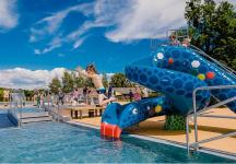 bazén a tobogán pro děti